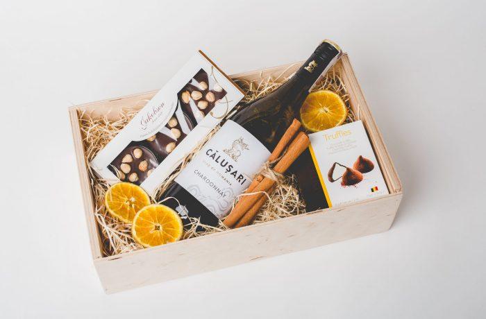 Zestaw Chocolates with Salted Almonds & Wine