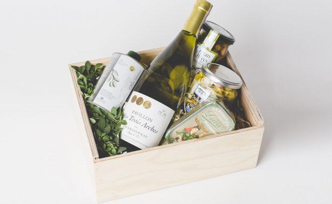 Sea Fruit Salad & Wine